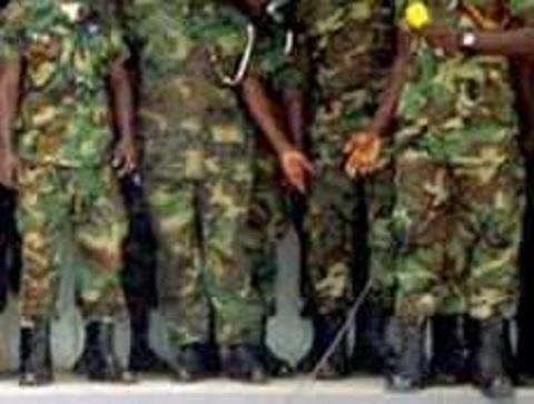 Nigeria soldiers raid paper 'over Boko Haram article'